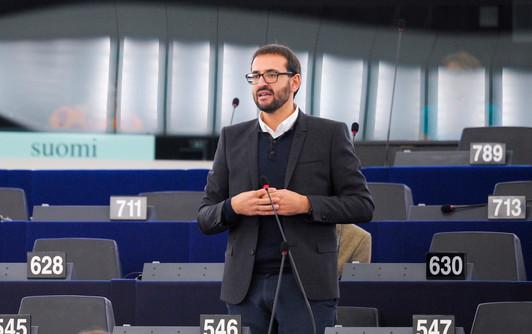 Gutiérrez pide a Juncker una regulación europea